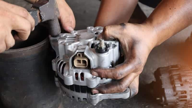 symptoms of a bad alternator