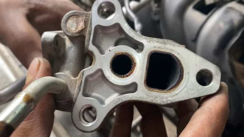 how to clean egr valve without removing it
