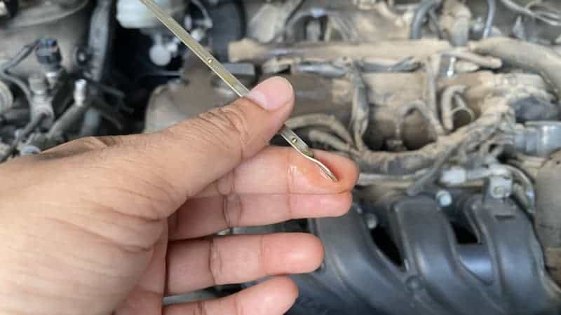 can gas in oil damage engine