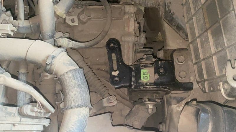 symptoms of transmission mount going bad