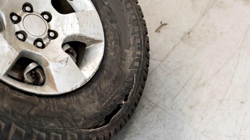 tyre sidewall cut