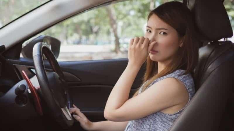 vinegar smell inside car