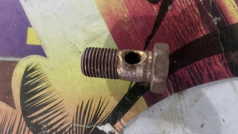 banjo bolt and fitting