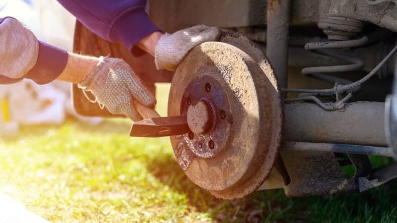adjust drum brakes reverse