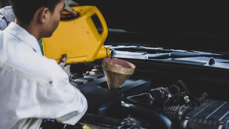 how much oil does my car need honda civic
