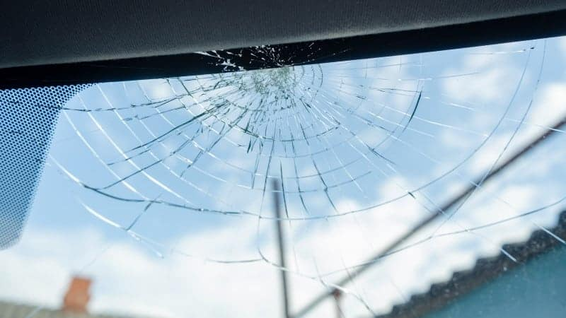 what states is it illegal to drive with a cracked windshield