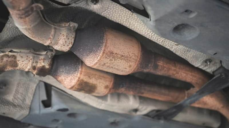 who buys stolen catalytic converters