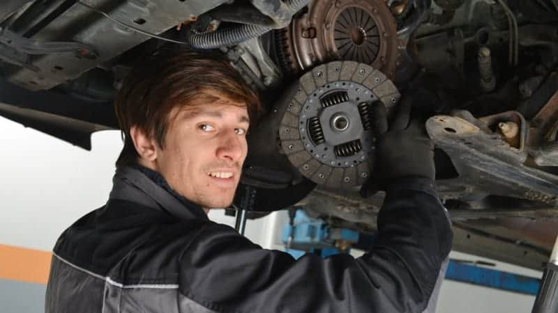 what is the clutch in a car