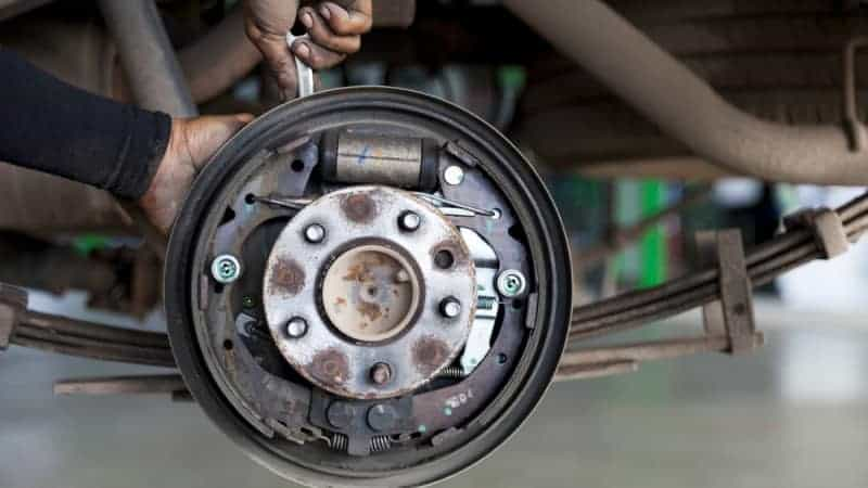 how to bleed drum brakes with one person