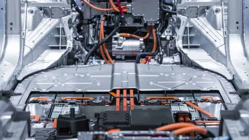 do electric cars use lithium batteries